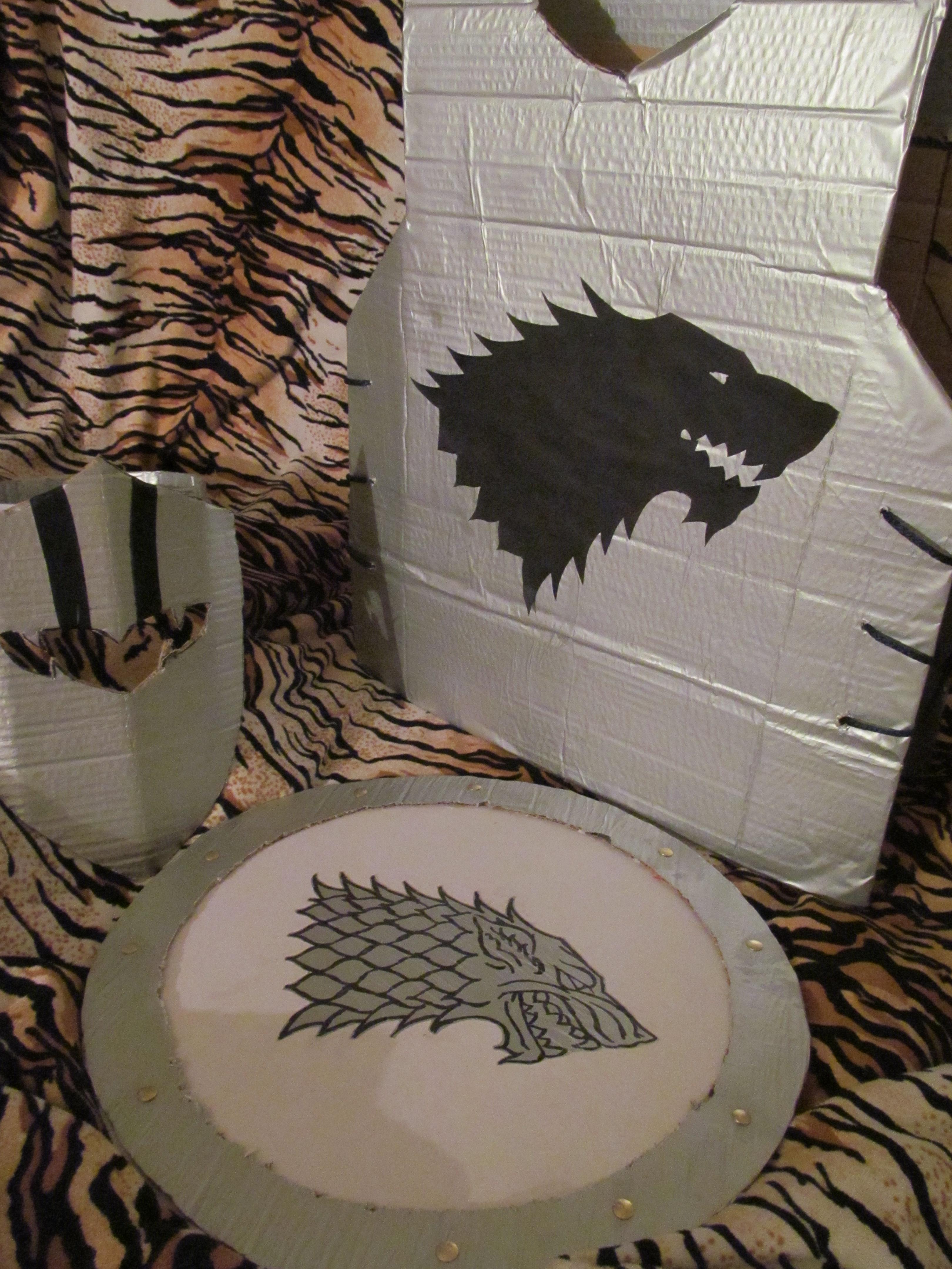 Armadura Y Escudo De Cartón Inkwolf